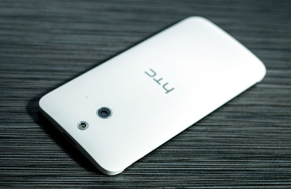 смартфон HTC One (E8)