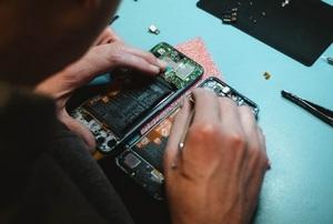 Продажи восстановленных смартфонов упали впервые за четыре года
