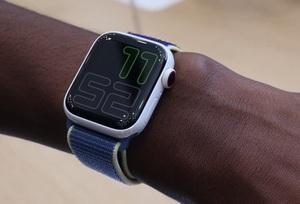 Продажи Apple Watch сократились на 13%, но весь рынок умных часов вырос