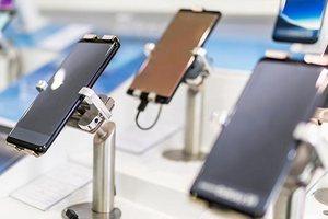 На российском рынке смартфонов прочно закрепилась четверка лидеров