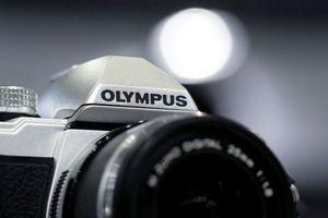 Olympus продает фотобизнес