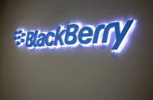 Акции BlackBerry за день подорожали на 61%
