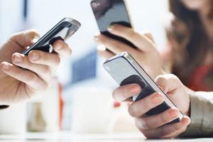 На рынках смартфонов и кнопочных телефонов продолжается годовой спад