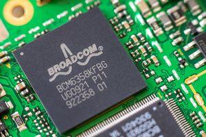 Квартальные финрезультаты Broadcom превзошли ожидания, но котировки падают