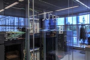 Juniper отчиталась об отсутствии роста выручки и существенной просадке прибыли