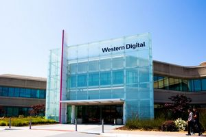Выручка Western Digital упала на 7%