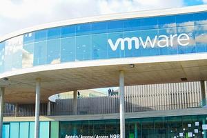 Квартальная прибыль VMware удвоилась