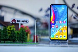 Выручка на мировом рынке смартфонов превысила 100 млрд долларов